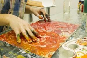 24028164_s mains peinture